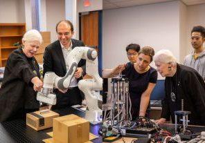 Lieutenant Governor Liz Dowdeswell visits UTM's growing robotics research cluster. Photo source: UTM